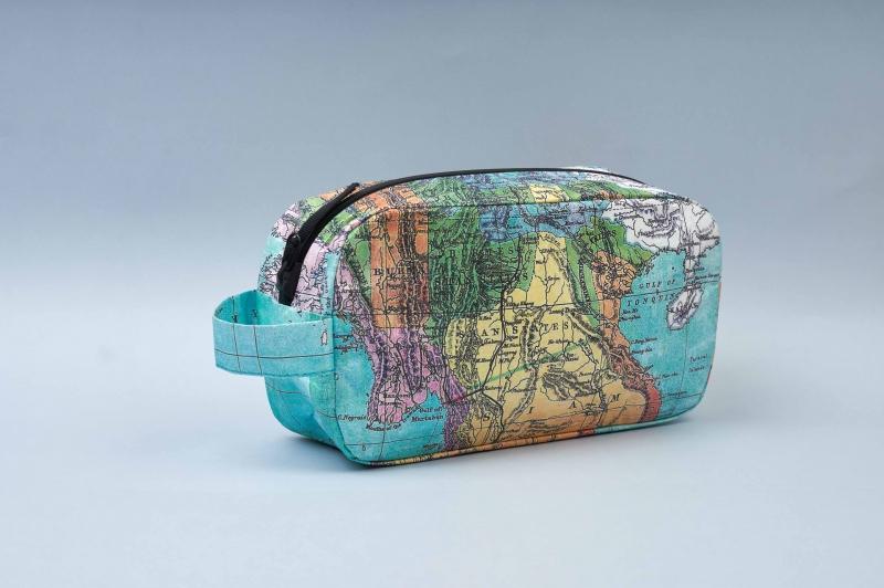Несессер NEW WALLET - New Continent; сделан из Tyvek®